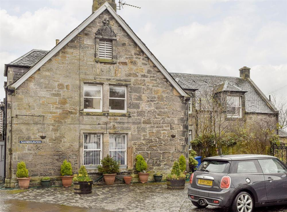 Attractive stone-built holiday home with off street parking at Sandhaven in Culross, near Dunfermline, St Andrews, Fife