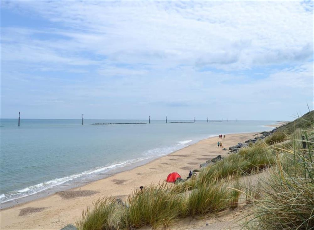 Within easy reach of the beach at Sea Palling (photo 2) at Sandhills in Sea Palling, Norfolk