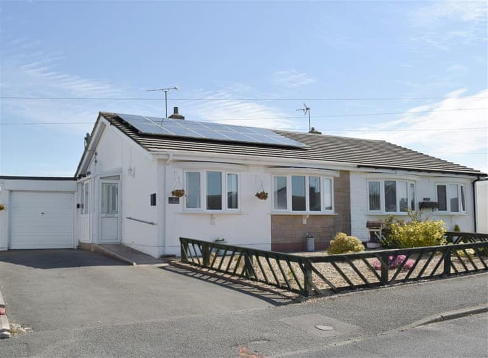 Attractive holiday home with off-street parking
