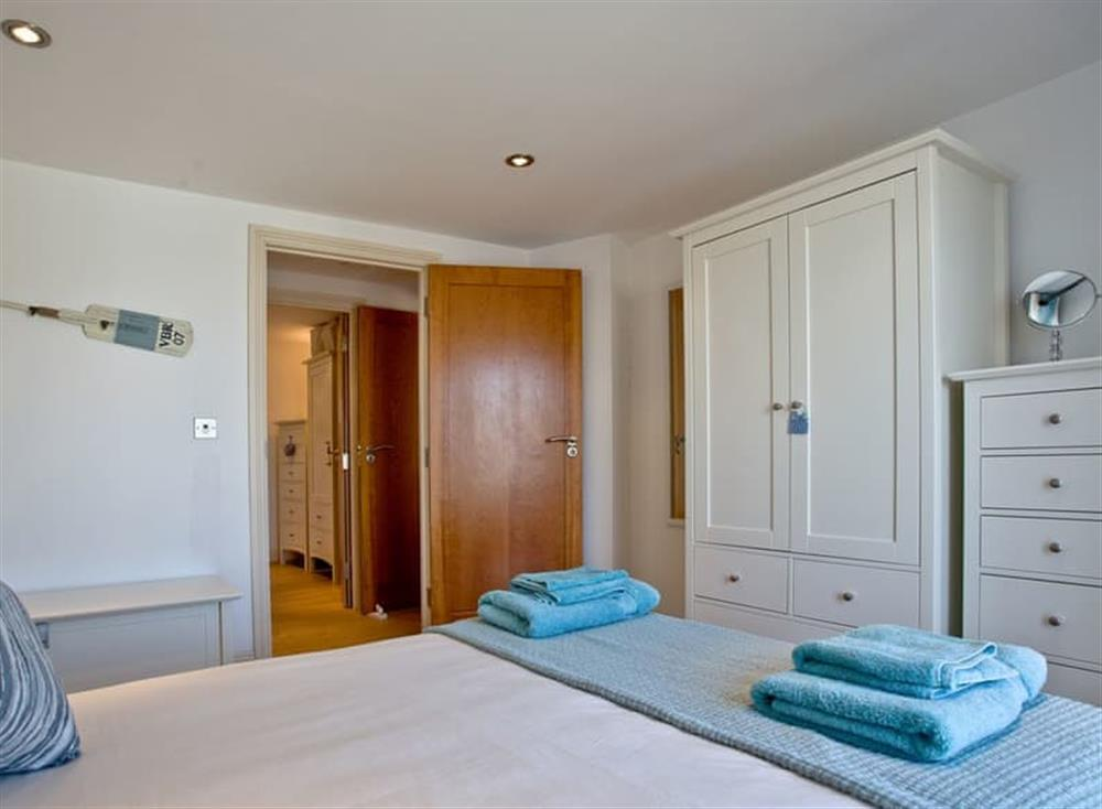 Double bedroom (photo 2) at Sea Gem in Endsleigh Court, Dartmouth