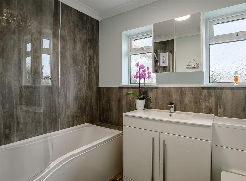 Bathroom at Seaclusion in Happisburgh, Norfolk