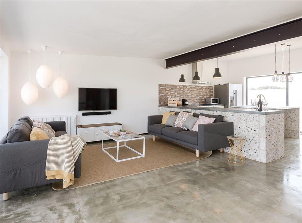 Spacious, comfortable living area at Seaglass Barn (Sand),