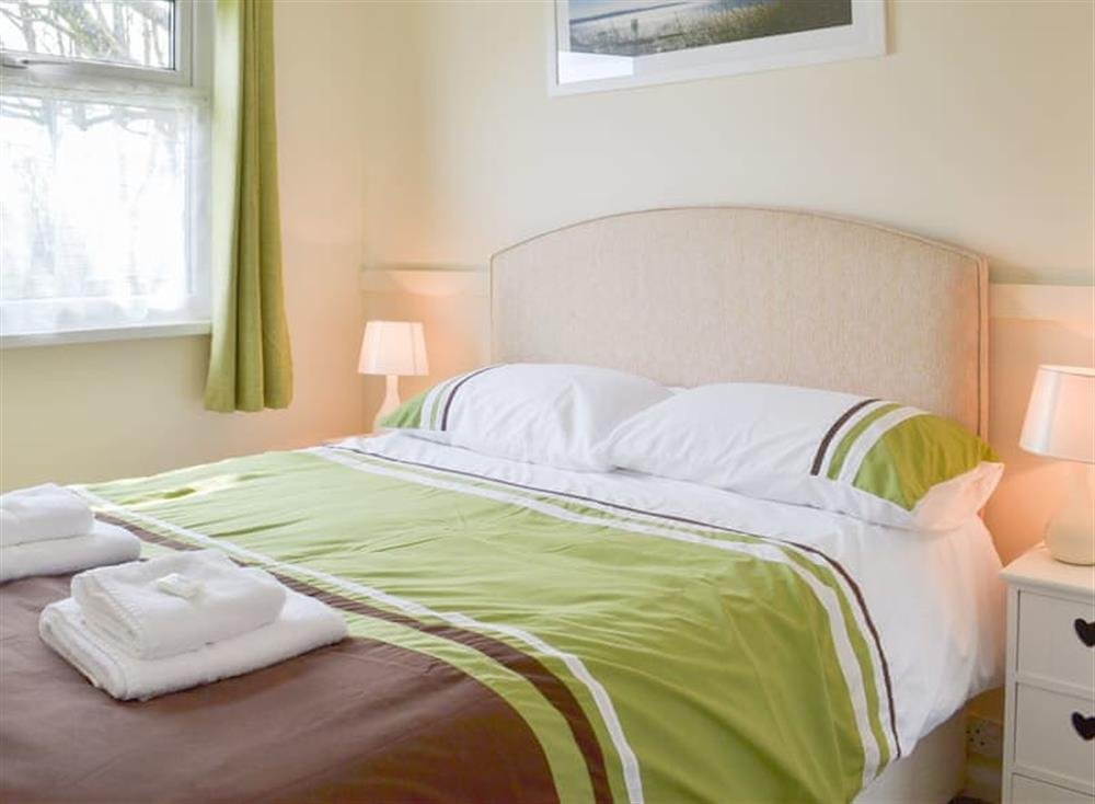 Welcoming cosy double bedroom at Seahaven in Dartmouth, Devon