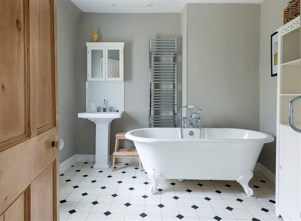 Bathroom with roll top bath at Seaview in Dartmouth, Devon