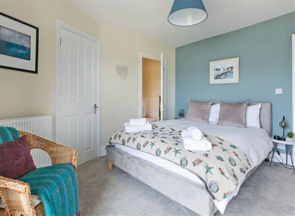 Charming double bedroom at Seaview in Dartmouth, Devon
