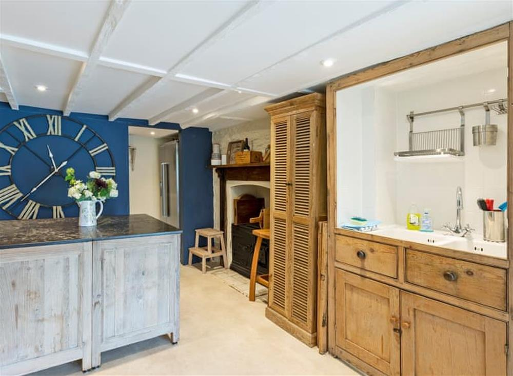 Impressive kitchen area (photo 3) at Seaview in Dartmouth, Devon