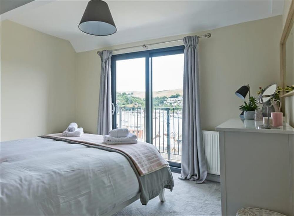 Light and airy double bedroom (photo 2) at Seaview in Dartmouth, Devon