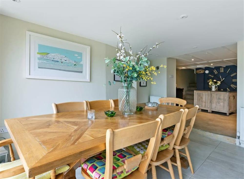 Spacious dining area (photo 2) at Seaview in Dartmouth, Devon