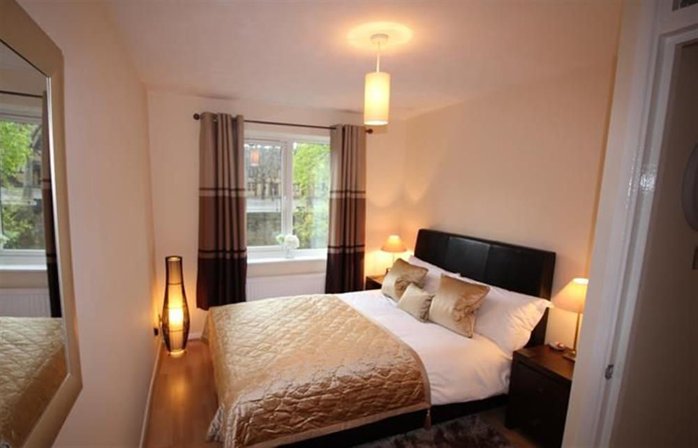 Double bedroom at Shard View, Nr St Katherines Dock, London