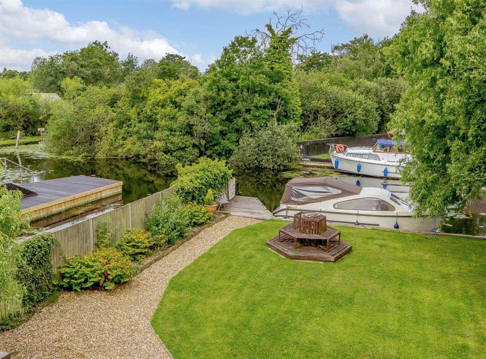 Garden at Silver Waters in Hoveton, Norwich, Norfolk., Great Britain