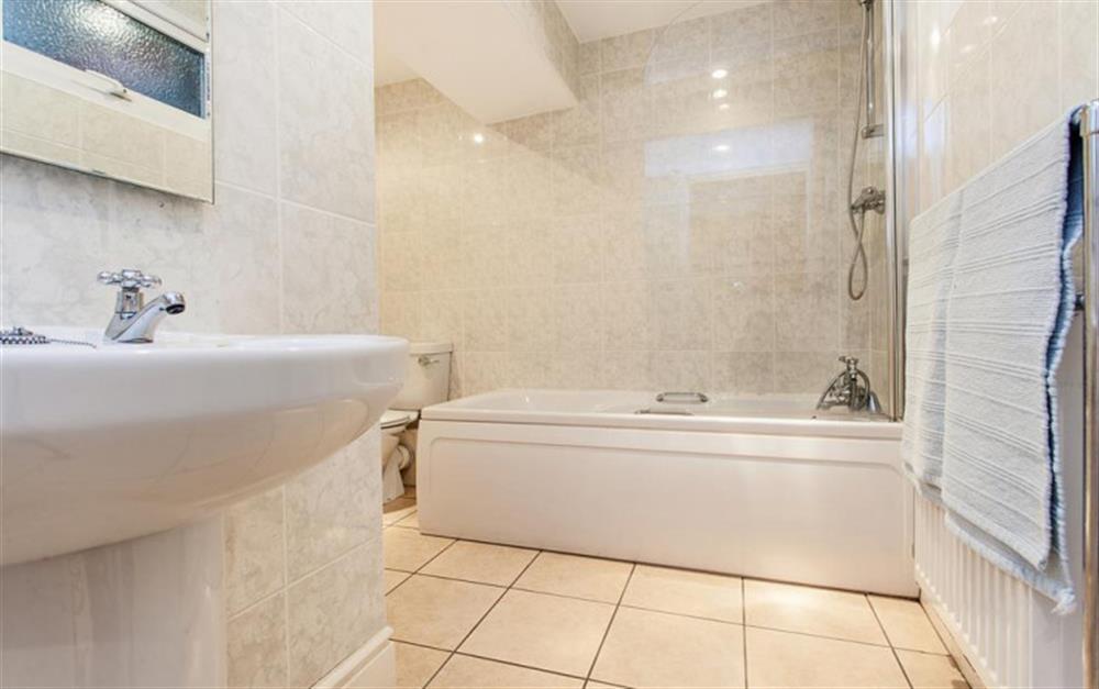 The ground floor bathroom at Slipway House, Dartmouth