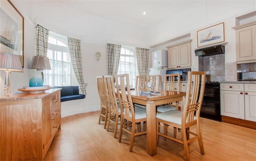 The ground floor dining kitchen at Slipway House, Dartmouth