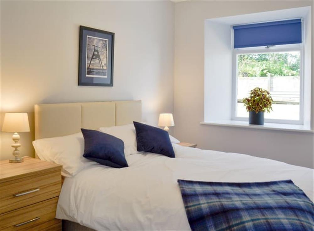 Well presented double bedroom at Smithfield House in Tarbolton, near Ayr, Ayrshire