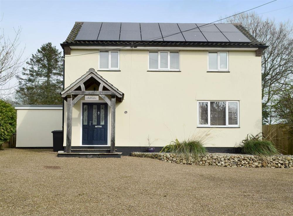 Attractive detached holiday home at Solitaire in South Creake, near Fakenham, Norfolk, England