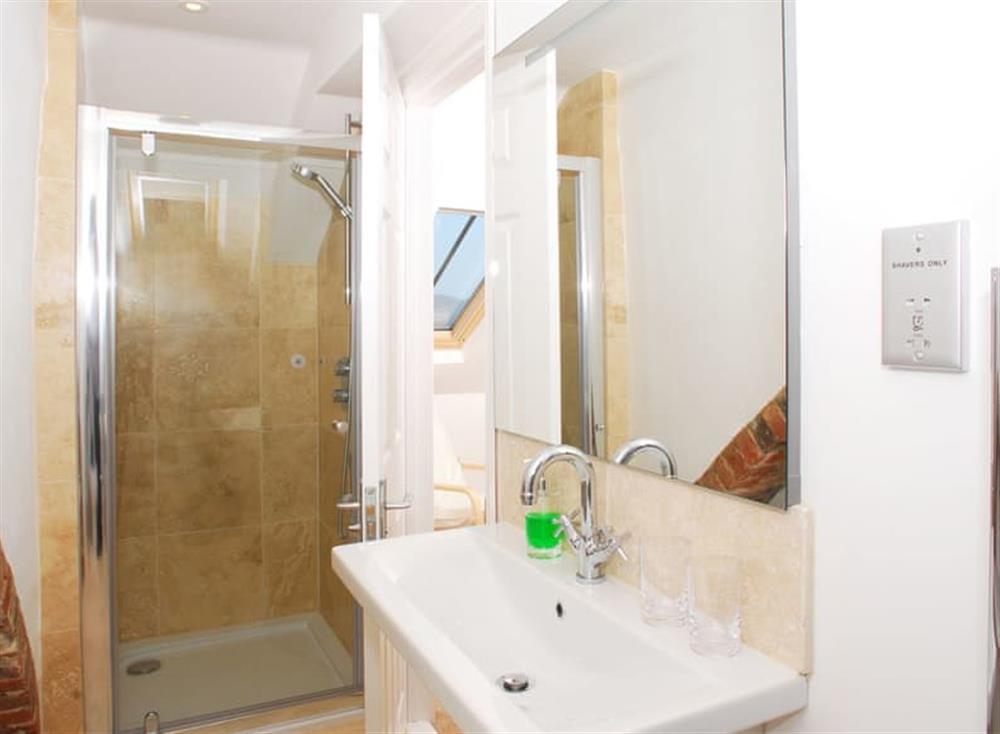 En-suite at Solstice in South Devon, Dartmouth & Kingswear