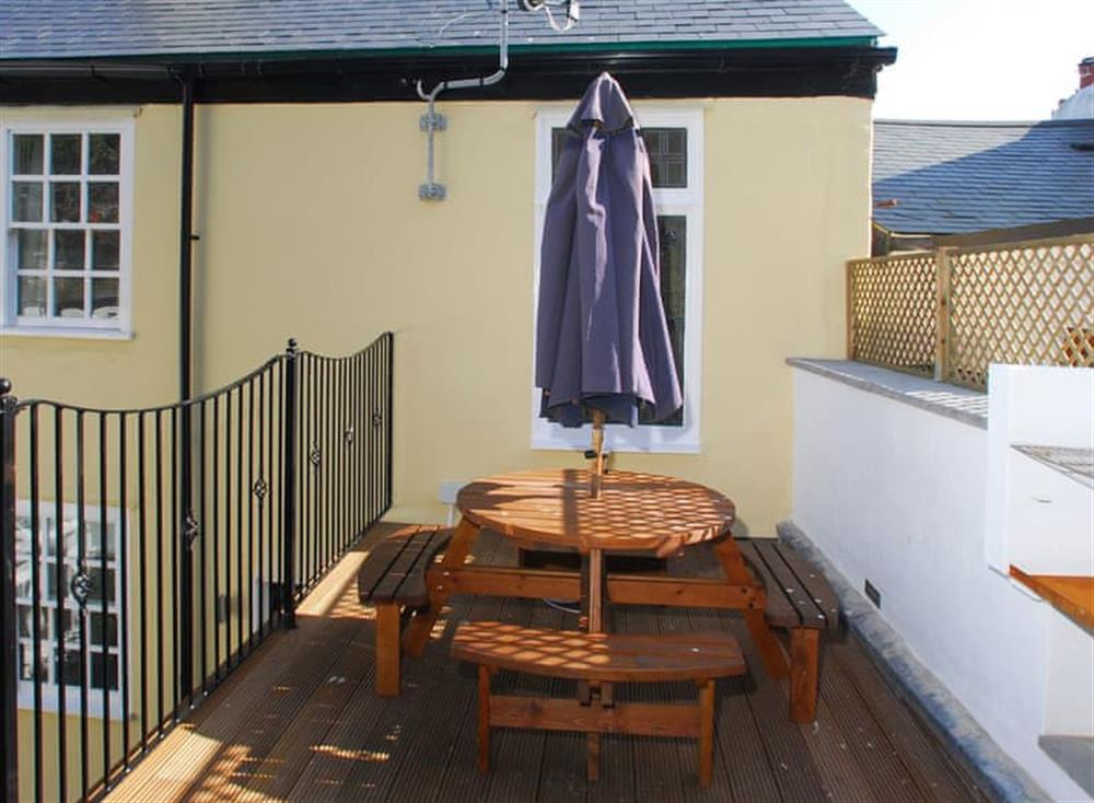 Sitting-out-area at Solstice in South Devon, Dartmouth & Kingswear