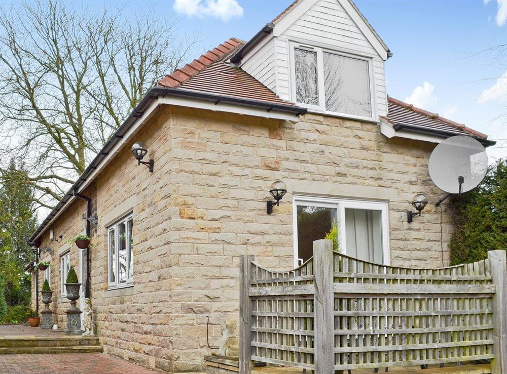 Lovely stone built detached cottage at South Lawn Coach House in Dore, near Sheffield, Yorkshire, South Yorkshire