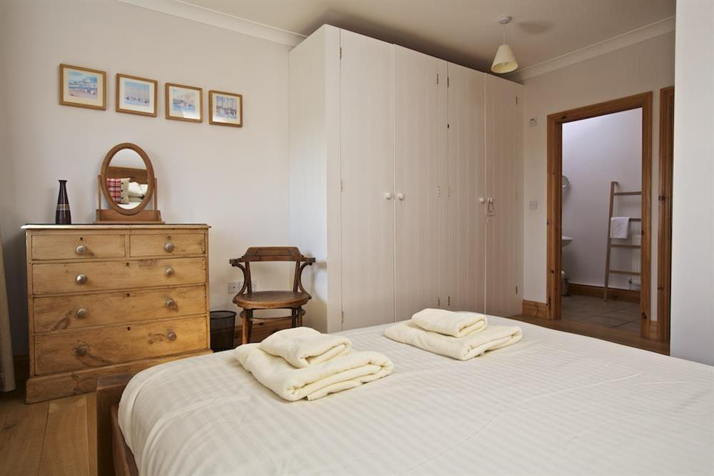 Master ensuite bedroom with King size pine bed (photo 3) at Southview in Blackawton, Nr Dartmouth