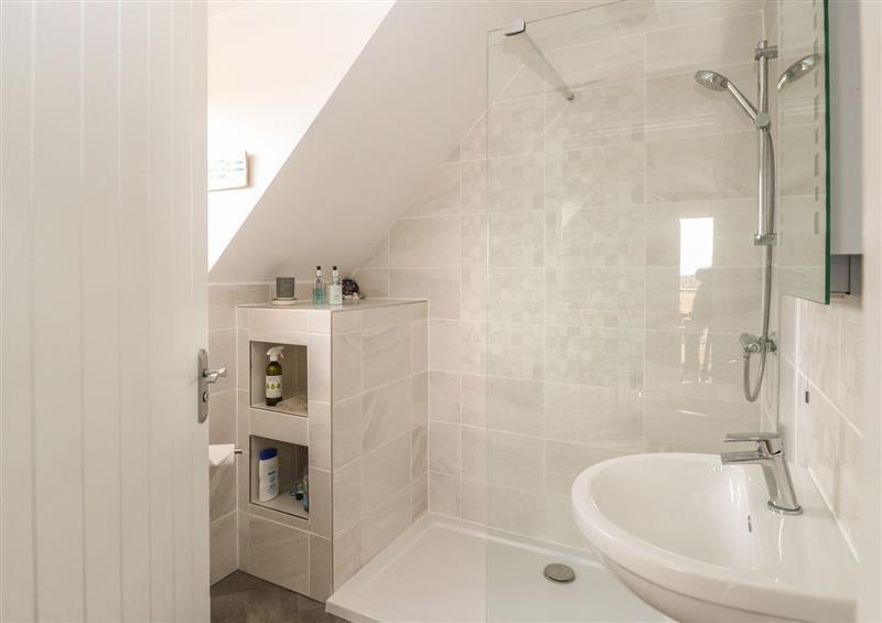 The bathroom at Spinneys Den, Knapton