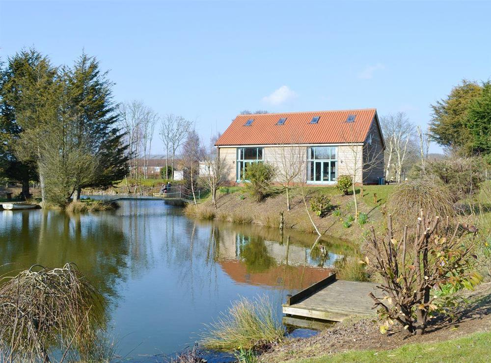 Idyllic lakeside lodges at Kingfisher Lodge,