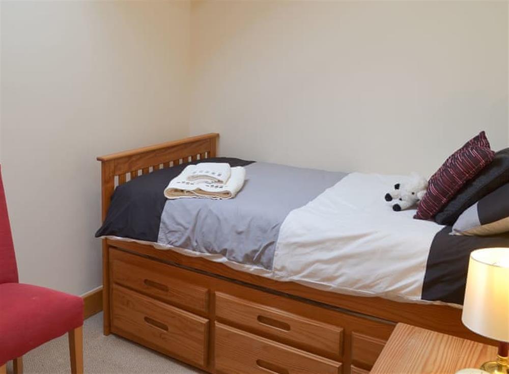 Pretty single bedroom at Stable Barn in Hendham, near Kingsbridge, Devon