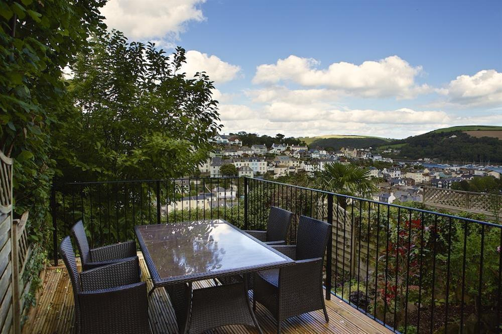 Bright seating area perfect for alfresco dining at Starfish Cottage in 40 Crowthers Hill, Dartmouth