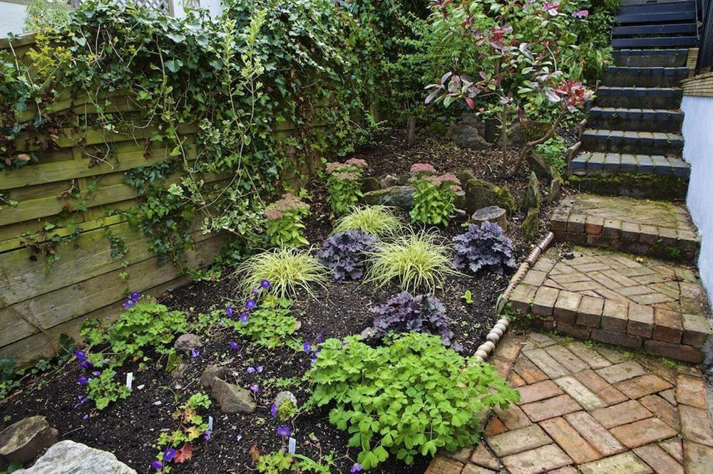 Very well tended garden at Starfish Cottage in 40 Crowthers Hill, Dartmouth