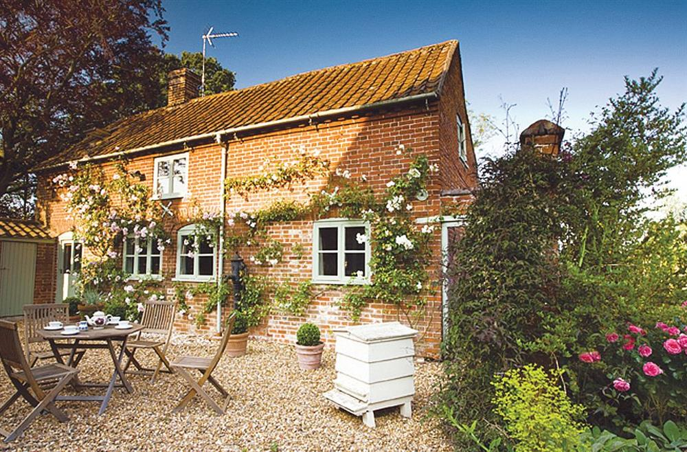 Stockman's Cottage lies on the outskirts of the village of Foulsham, close to Burnham Market and just 25 minutes from the coast.