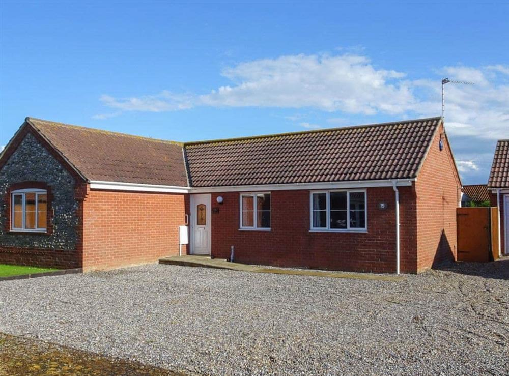Attractive holiday property at Stones Throw in Bacton, Norfolk
