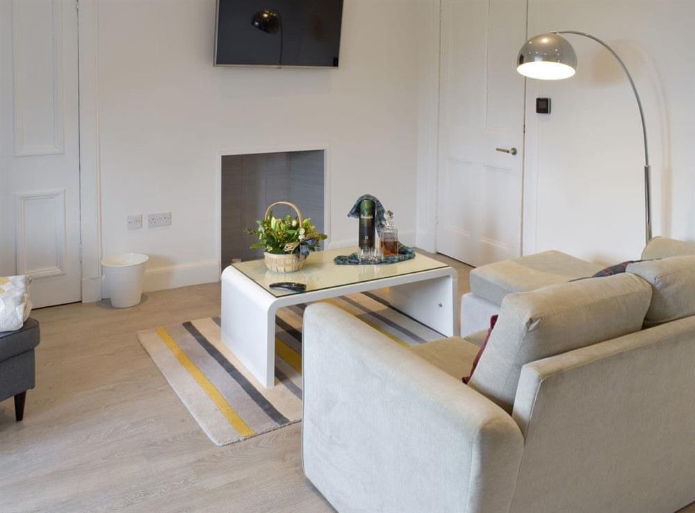 Living room/dining room at Stylish in Newington in Edinburgh, Midlothian