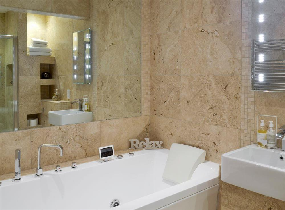 Luxurious family bathroom at Sundance in Cheriton Bishop, Devon