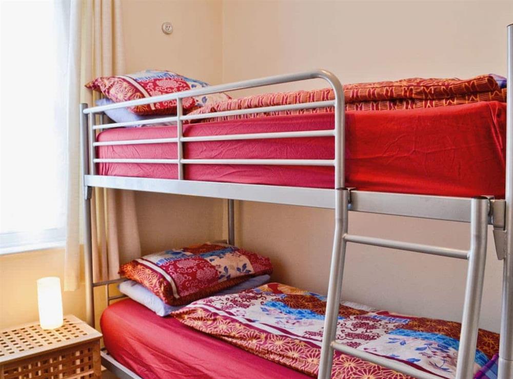 Bunk bedroom at Sundowners in Calstock, Cornwall