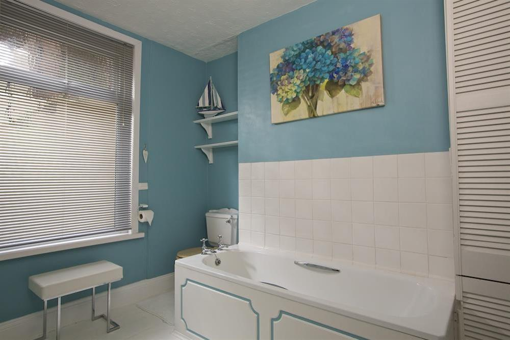 Ground floor family bathroom at Sunnyside in , Dartmouth
