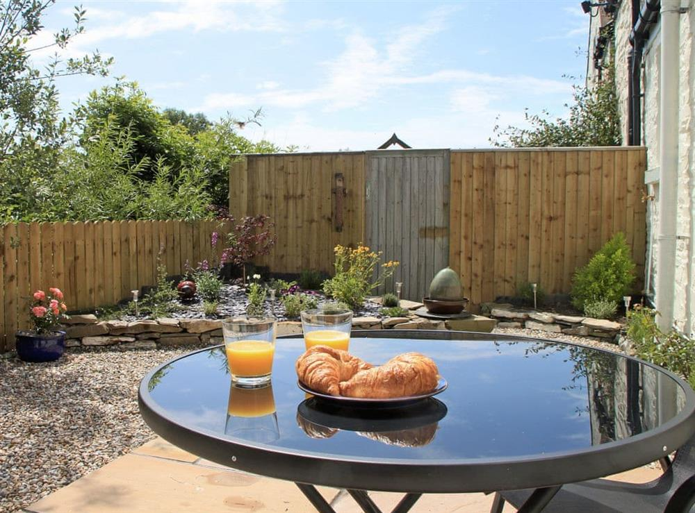 Relaxing sitting-out-area (photo 2) at Swallows in Borgue, near Kirkcudbright, Kirkcudbrightshire