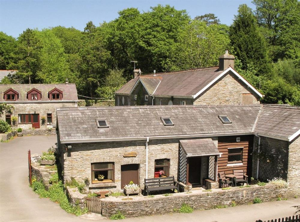 Swansea valley holiday cottages at Hafod Y Wennol,