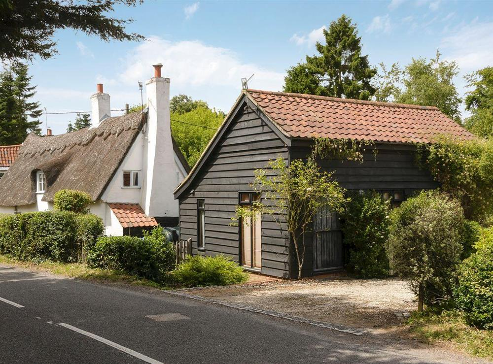 Impressive 17th-century, detached thatched cottage at Thatched Cottage in Sternfield, near Aldeburgh, Suffolk