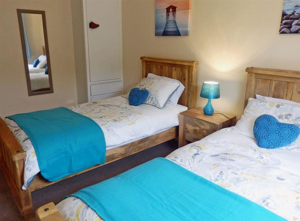 Cosy twin bedroom (photo 2) at The Beech House in Corton, near Lowestoft, Suffolk