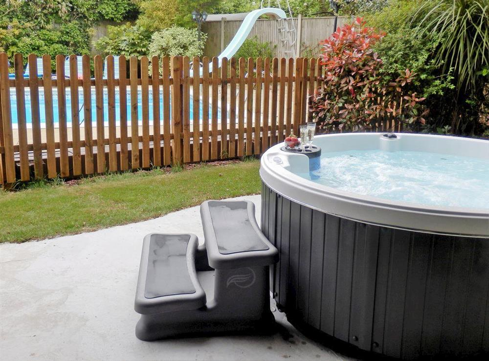 Relaxing hot tub (photo 2) at The Beech House in Corton, near Lowestoft, Suffolk