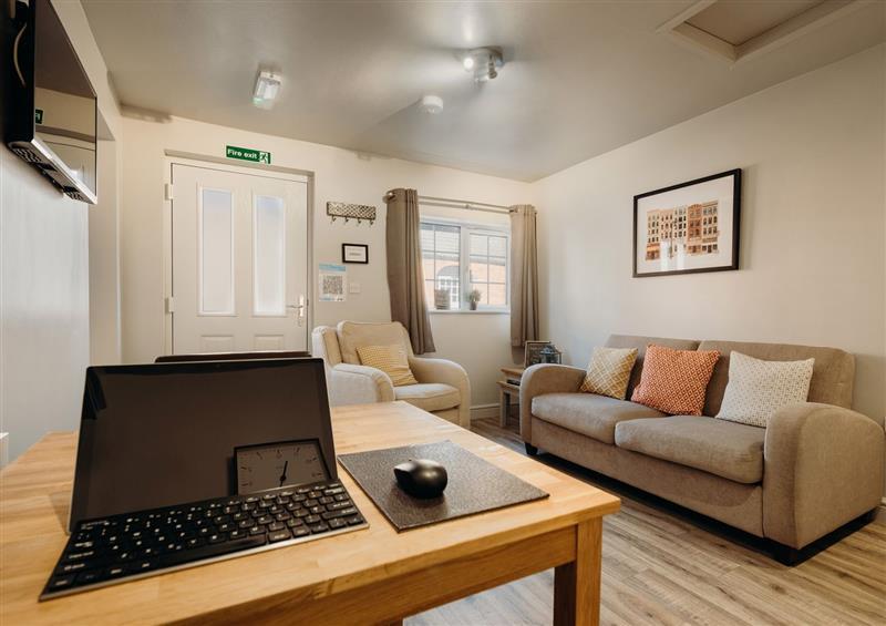 The living room at The Bradford Apartment, West Drayton near Markham Moor