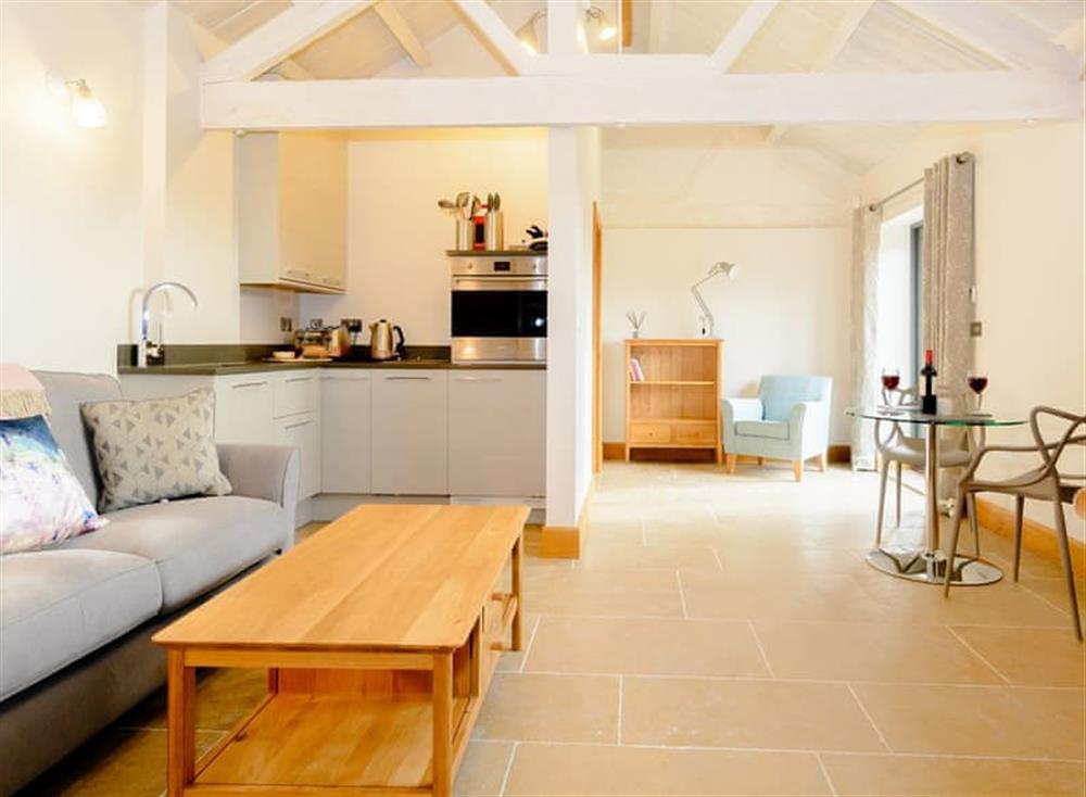 Spacious pen plan living space with tiled floor at The Bull Pen 1 in Thornhill, near Royal Wootton Bassett, Wiltshire