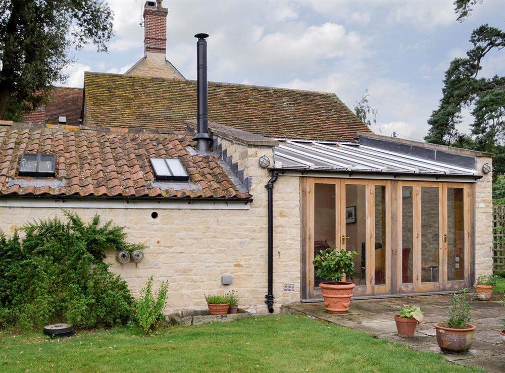 Exquisitely presented cottage at The Byre in Fifehead Magdalen, near Gillingham, Dorset