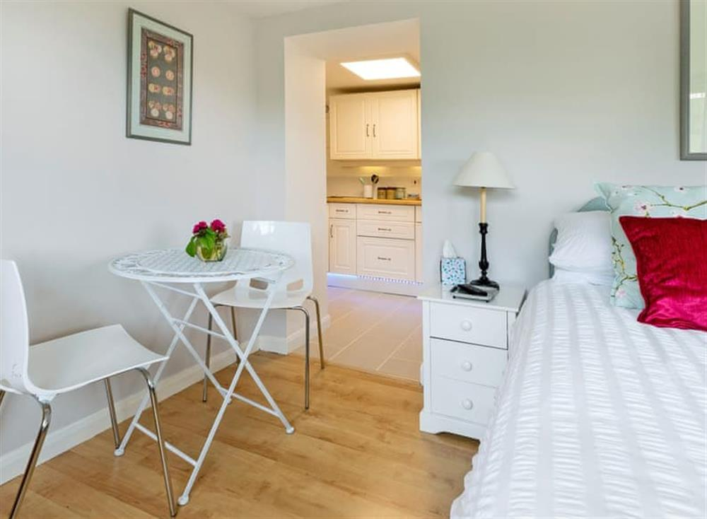 Spacious open plan living/dining/bedroom (photo 3) at The Cabin in Dartmouth, Devon