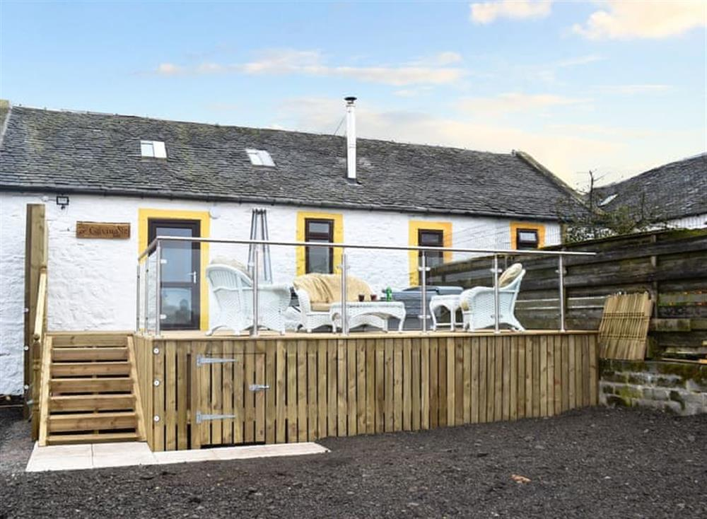 Lovely stone-built holiday cottage at The Calving Shed in Near Neilston, Lanarkshire