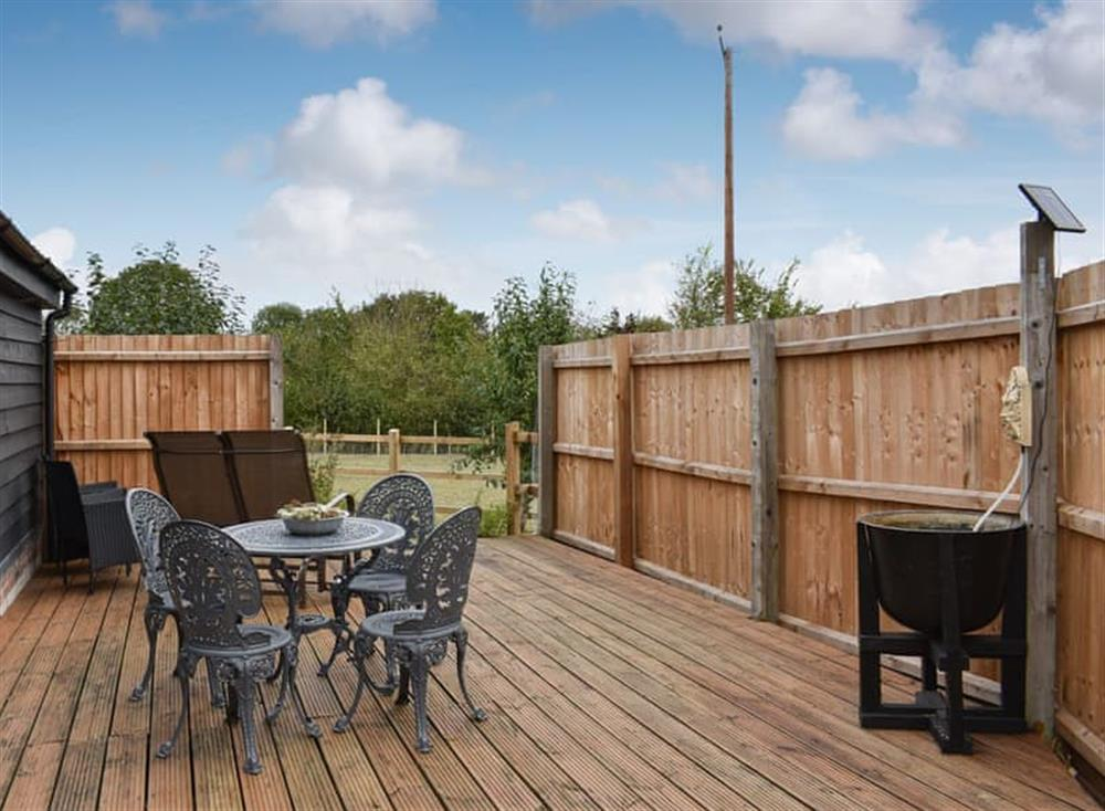 Outdoor area at The Cartlodge in Weybread, near Harleston, Suffolk