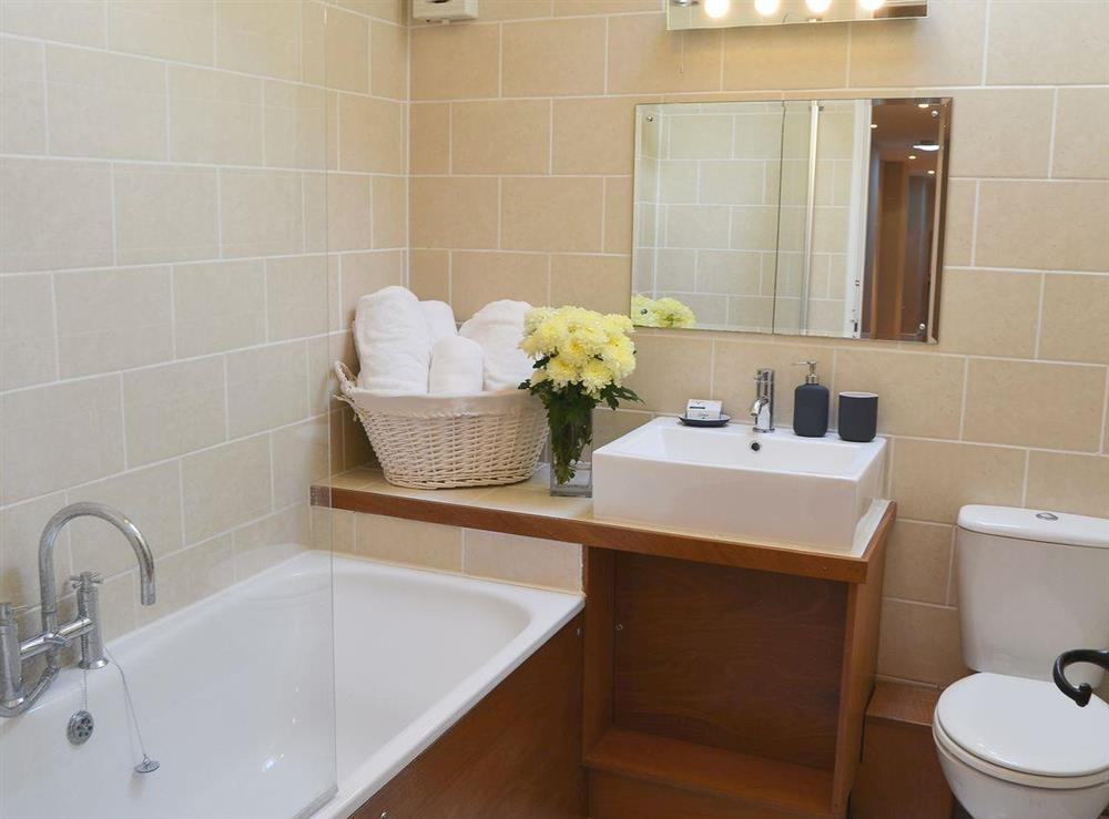 Attractive bathroom at The Cattle Sheds in Knapton, near North Walsham, Norfolk