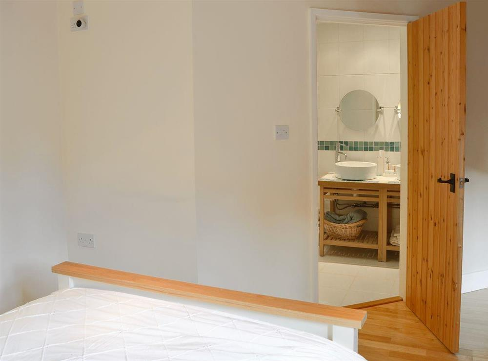 Double bedroom with ideal en-suite at The Cattle Sheds in Knapton, near North Walsham, Norfolk