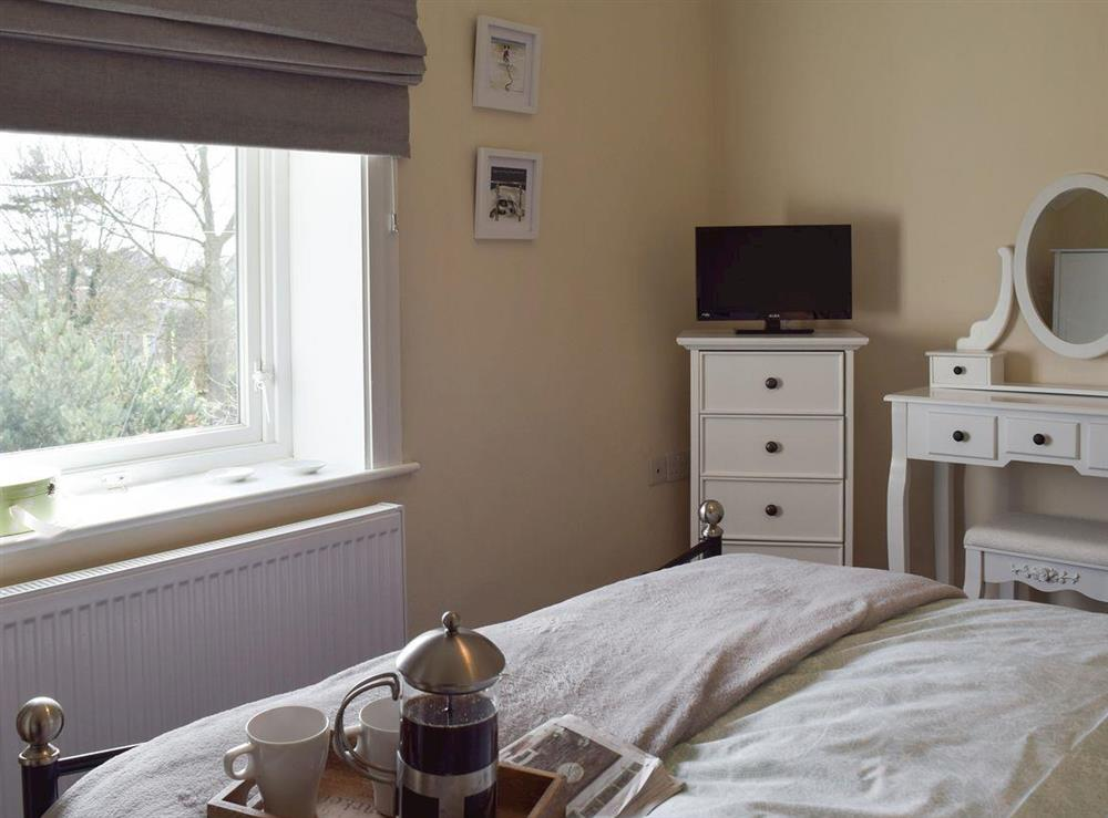 Double bedroom (photo 2) at The Coastal Cottage in Kessingland, Suffolk, England