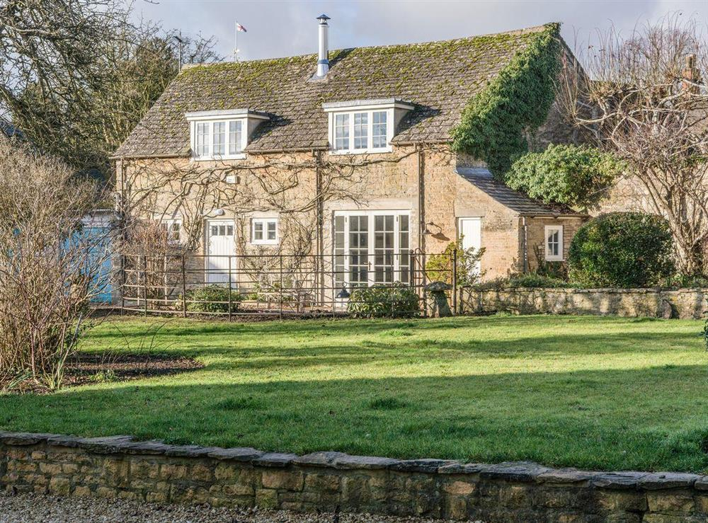 Beautiful, detached, Cotswold stone cottage at The Cottage at Long Meadow in Charlbury, Oxfordshire