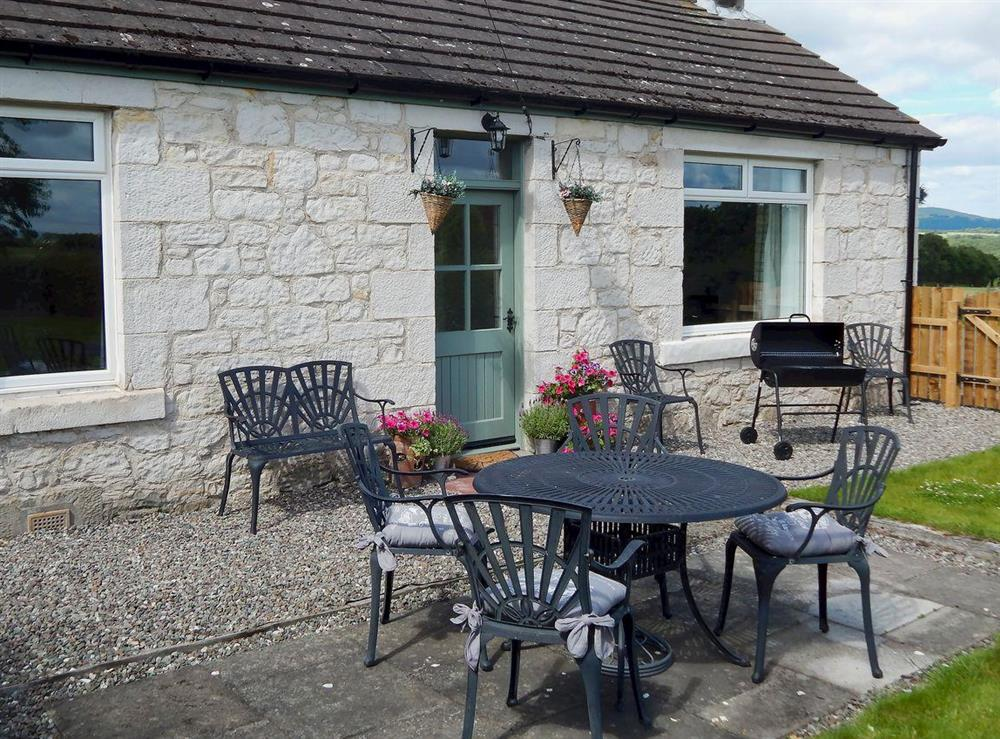 Delightful, detached holiday cottage at The Den at Culross in Culross, near Dunfermline, Fife