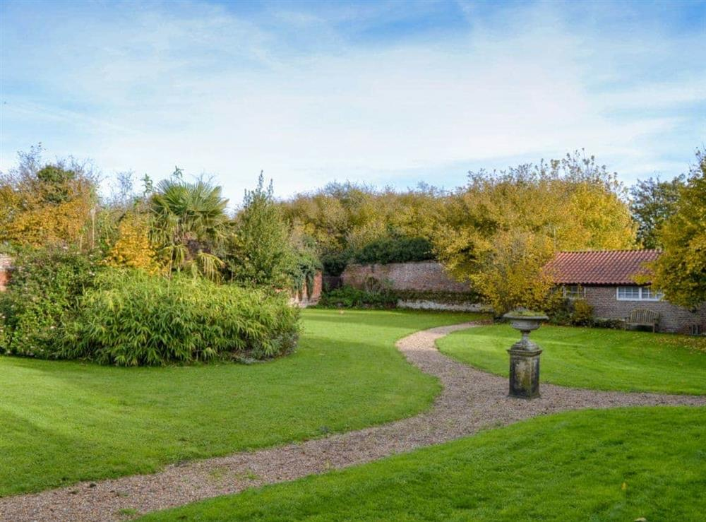 Wonderful private garden and grounds at Gamekeepers Cottage,